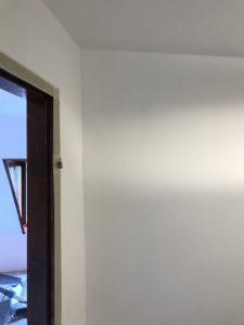 Lakásfelújítás, Szobafestés, ajtok ablakok lazúrozássa.